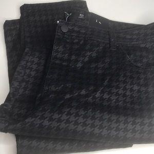 Torrid Black Print skinny denim jeans. 22
